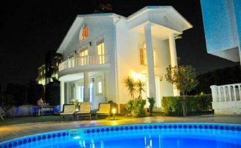 King Penelope Villas Hotel