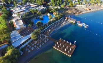 İzer hotel beach club üstten